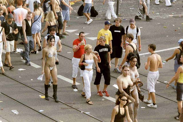 Pic #3 - Streetparade 2003 Zurich