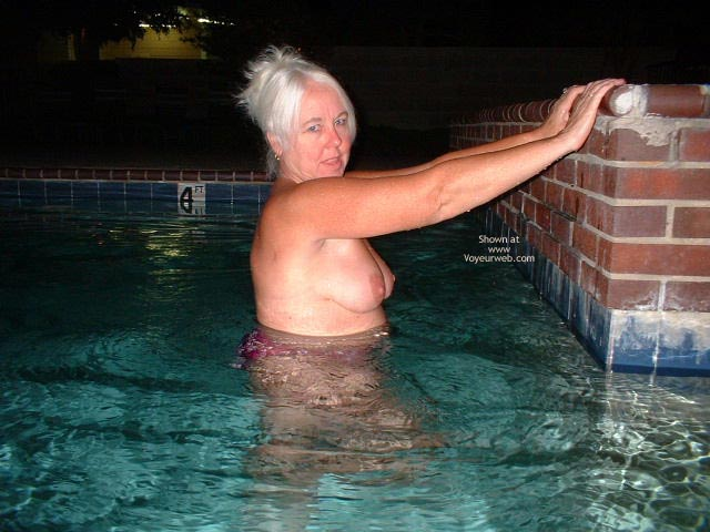 Pic #5 - Tammy Having Fun At The Pool