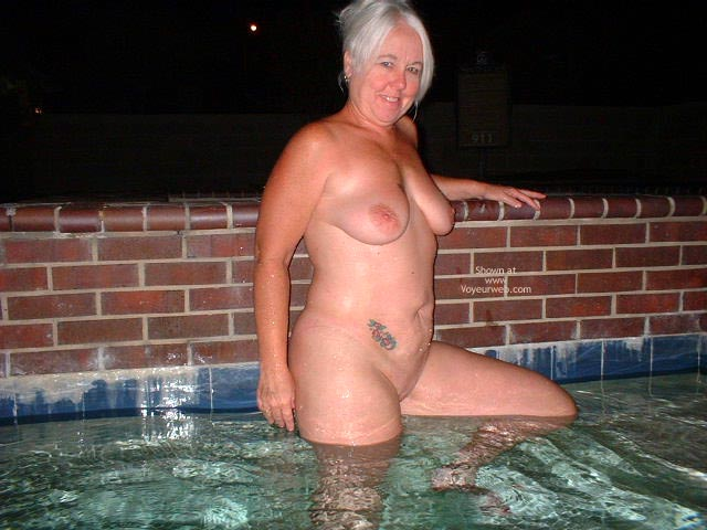 Pic #7 - Tammy Having Fun At The Pool