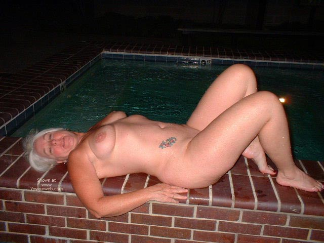Pic #9 - Tammy Having Fun At The Pool