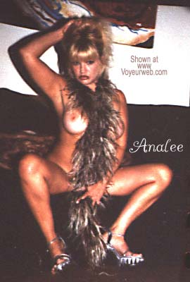 Pic #9 - Here Cums Analee