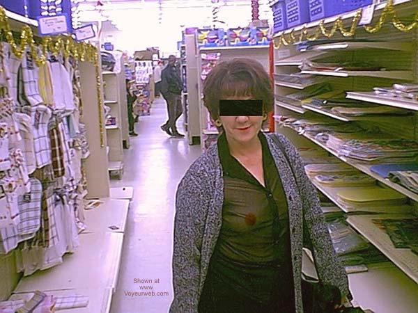 Pic #1 - Dub's Wife Xmas Shopping