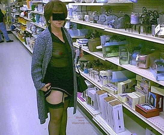 Pic #2 - Dub's Wife Xmas Shopping