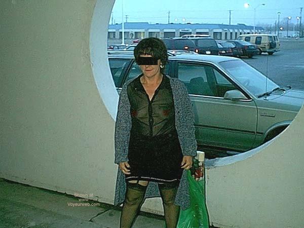 Pic #4 - Dub's Wife Xmas Shopping