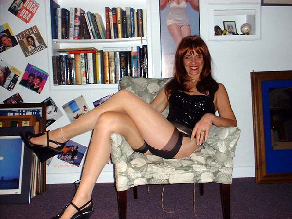 Pic #1 - Red-head Laila in Cuban Heels