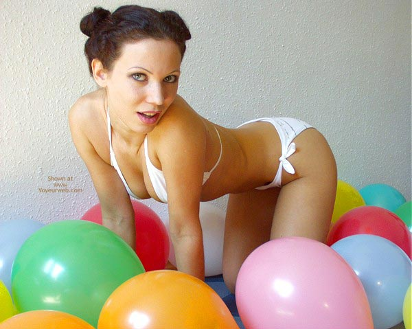 Pic #5 - Angelina With Balloons