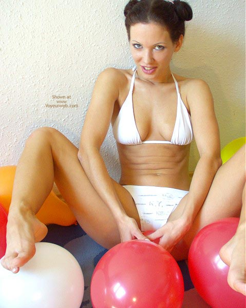Pic #6 - Angelina With Balloons