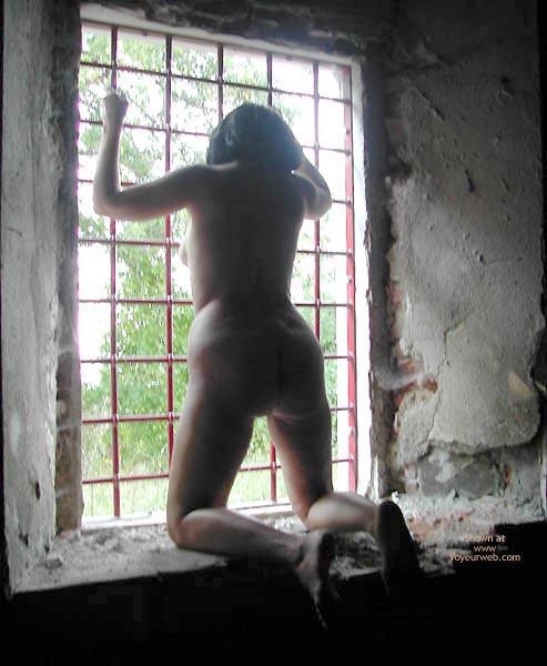 Pic #2 - Pompy Naked Prisonner