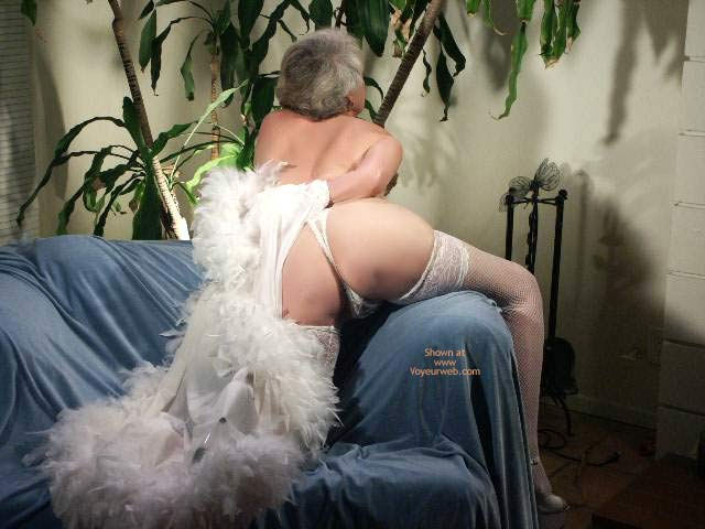 Pic #3 - 61 Year Old Woman Ozing Sensuality #2