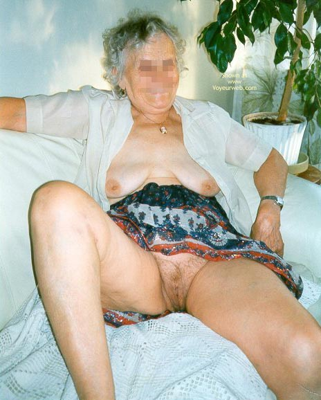 Pic #4 - My 72 Yo Girlfriend