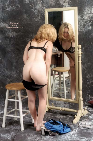 Pic #7 - *SN Amy at The Mirror