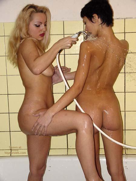 Pic #4 - *GG Madlen-Jacky-Lise in Bathroom