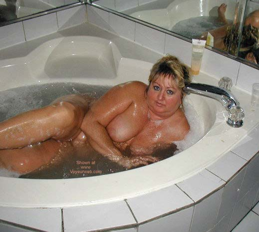 Pic #6 - Toni in The Hot Tub