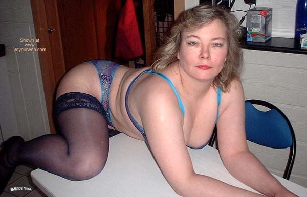 Pic #3 - Sexy Tina's Striptease 1
