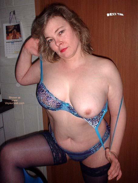 Pic #6 - Sexy Tina's Striptease 1