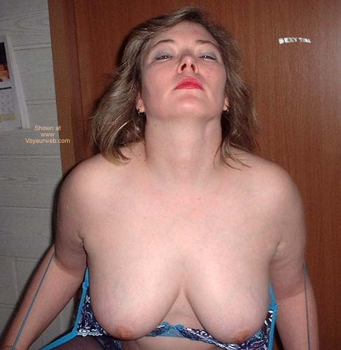 Pic #7 - Sexy Tina's Striptease 1