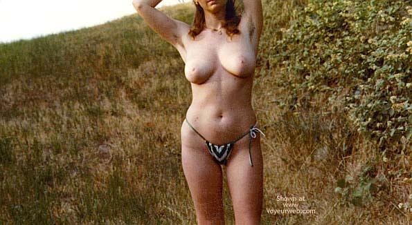 Pic #7 - Italian Babe Posing Naked