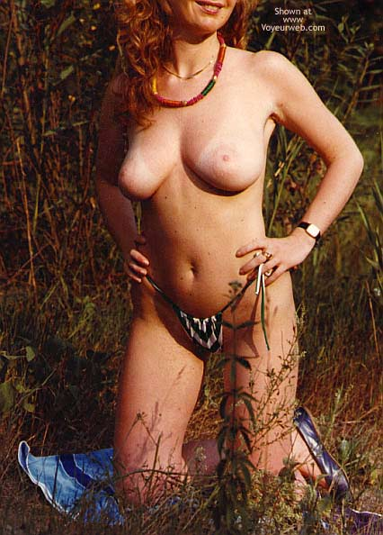 Pic #8 - Italian Babe Posing Naked
