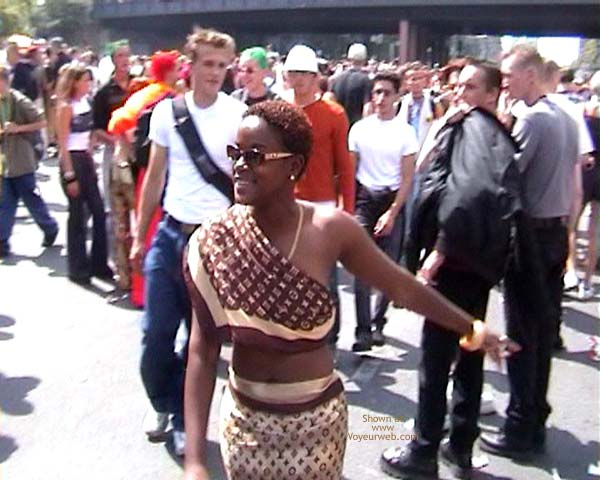 Pic #8 - Loveparade 2001 In Berlin 9