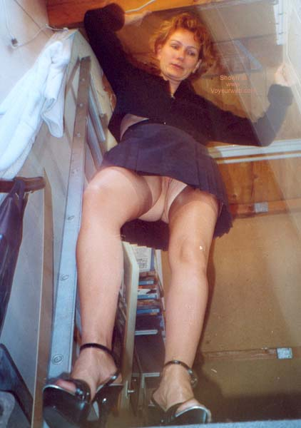 Pic #1 - Dutch Wife Again in Stockings ans High Heels
