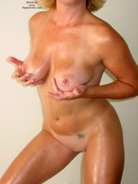 Pic #1 - Tawni Gets Oiled Up