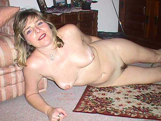 Pic #2 - Dolly On The Floor