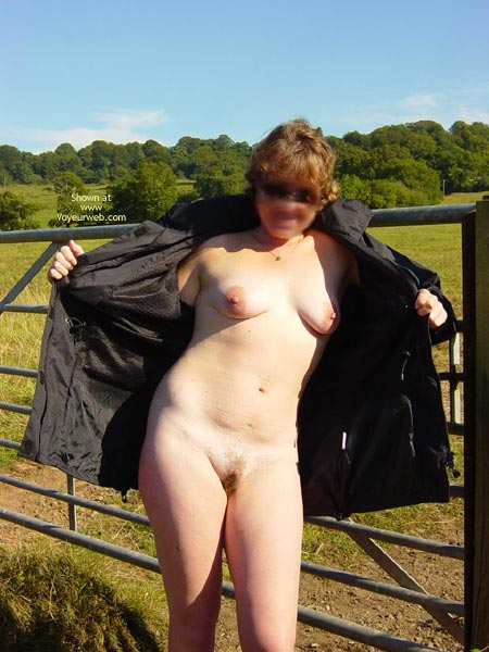 Pic #5 - Hot Day In The Uk