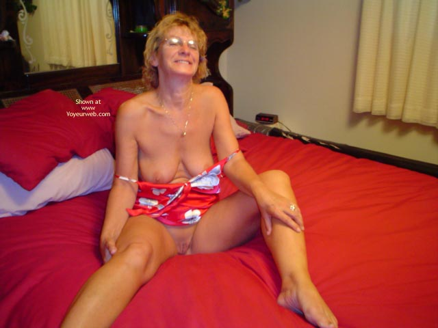 Pic #5 - 57 Year Old Canadian Wife At Home