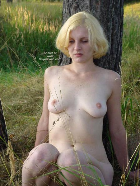 Pic #4 - Beauty White Girl in Forest 2
