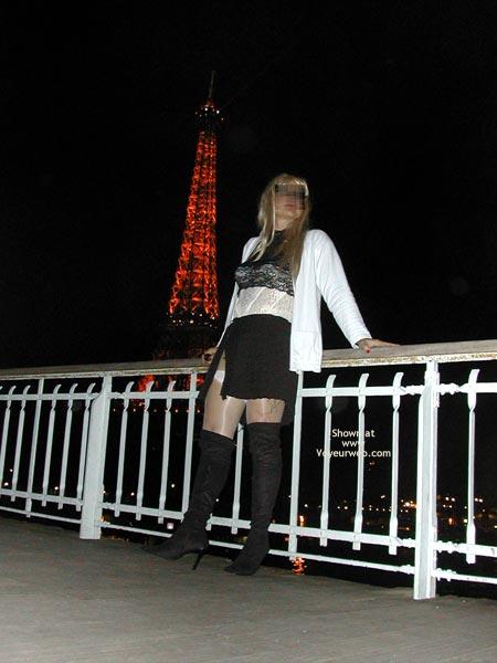 Pic #3 - Caroline A La Tour Eiffel