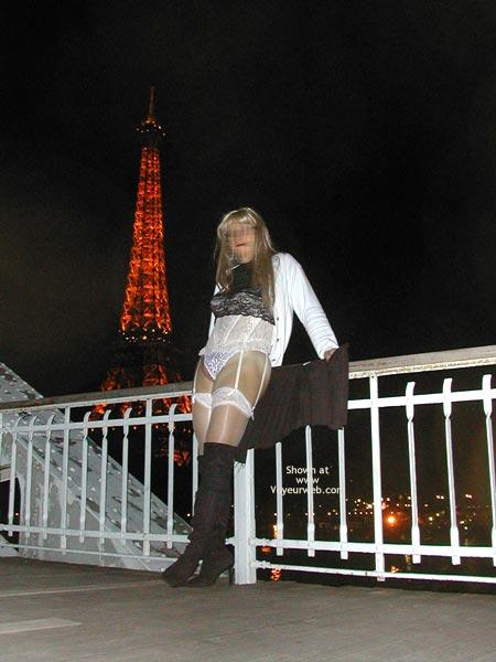 Pic #5 - Caroline A La Tour Eiffel
