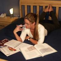 Nikki ;)~ Studying 1