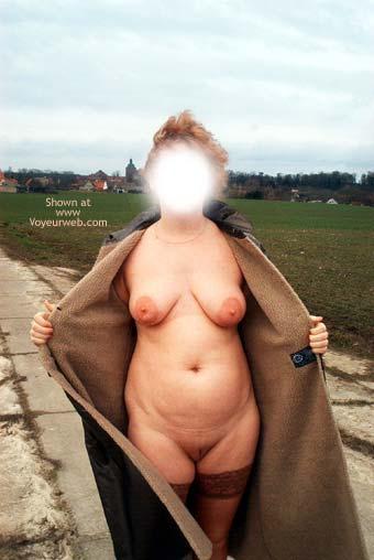 Pic #4 - Mausi Nude in Public
