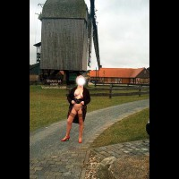 Mausi Nude in Public