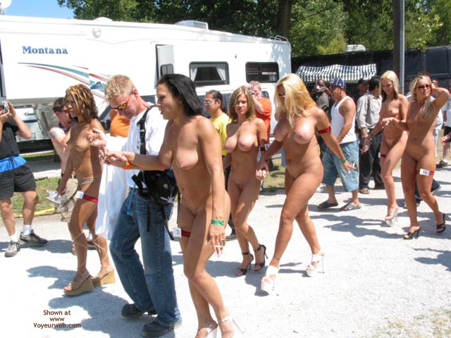 Pic #4 - Nudes A Poppin August 2003 1