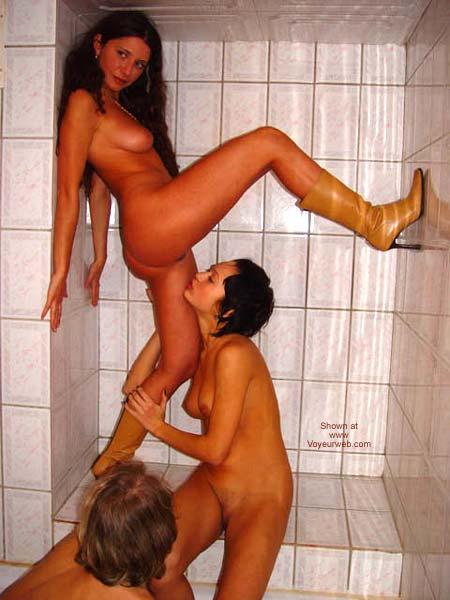 Pic #1 - *GG Mandlen - Ilona - Margo in shower