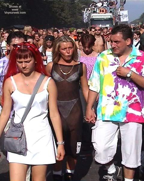 Pic #1 - LoveParade 2001 In Berlin 38