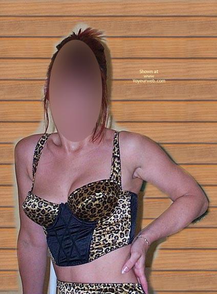 Pic #1 - Cindy En Leopard