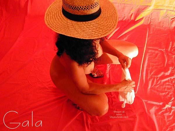 Pic #3 - Gala en Rojo