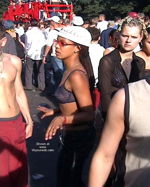 Pic #3 - LoveParade 2001 In Berlin 44