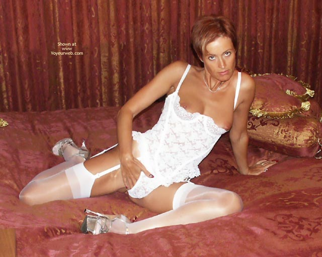 Pic #8 - 40 Yo Pea In White