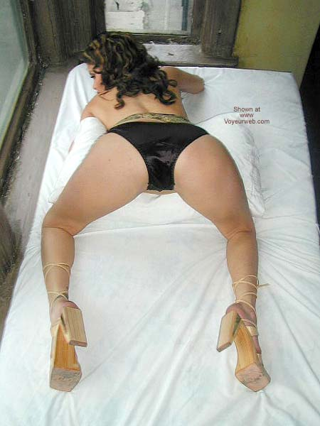 Pic #5 - Latina Valentina Spreading More