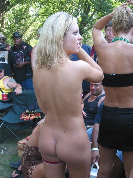 Pic #3 - Fun Shots At Nudes A Poppin