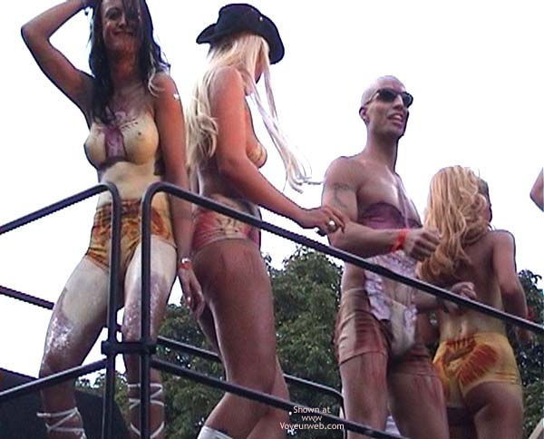 Pic #1 - LoveParade 2001 In Berlin 49