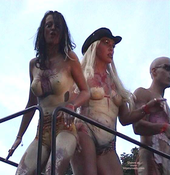 Pic #2 - LoveParade 2001 In Berlin 49