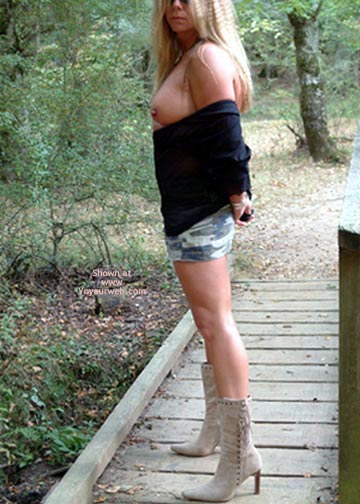 Pic #1 - Hot Legs..Last  Days Of Summer.