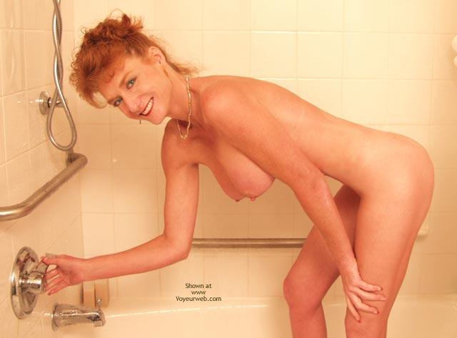 Pic #1 - *Sh Sandy Redhead Getting Wet!