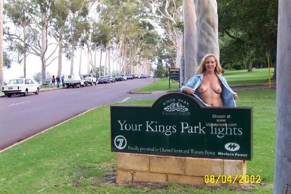 Pic #4 - West Oz Girl Visits Kings Park Nip