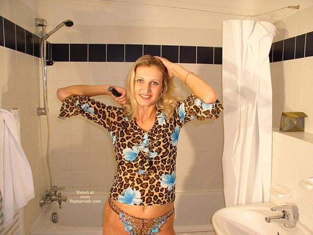Pic #2 - Matching Outfit In The Bathroom