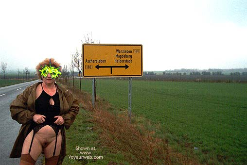 Pic #6 - Mausi Nude in Public